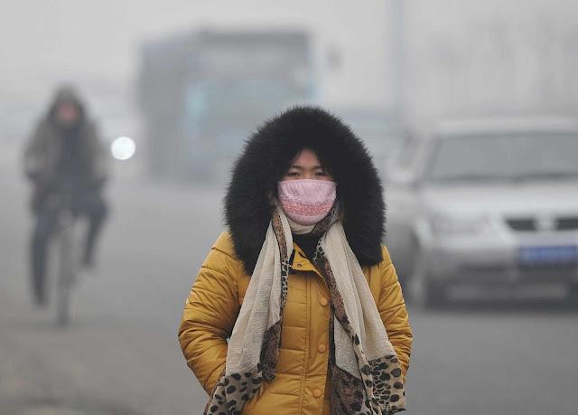 Poluição do ar em Tangshan, província de Hebei, fevereiro 2013