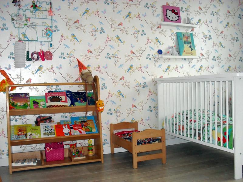 Zomooi myra 39 s kamer voor de komst van haar grote bed for Kamer klein meisje