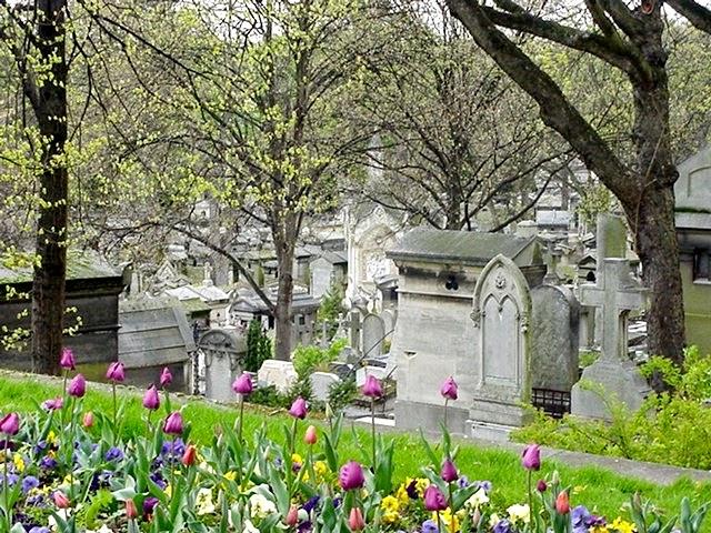 http://www.google.com/imgres?imgurl=http://upload.wikimedia.org/wikipedia/commons/b/b9/Pere_Lachaise_looking_down_the_hill.jpg&imgrefurl=http://en.wikipedia.org/wiki/P%25C3%25A8re_Lachaise_Cemetery&h=194&w=259&tbnid=1Woeojj4Beb31M:&zoom=1&tbnh=160&tbnw=213&usg=__I5YFSVCRhskJbyNBhhP9x6gw4gg=&docid=hub_jMYfs6sN3M&itg=1&ved=0CE8Qyjc&ei=oN2NVLSpJYOegwTUpoSIBw