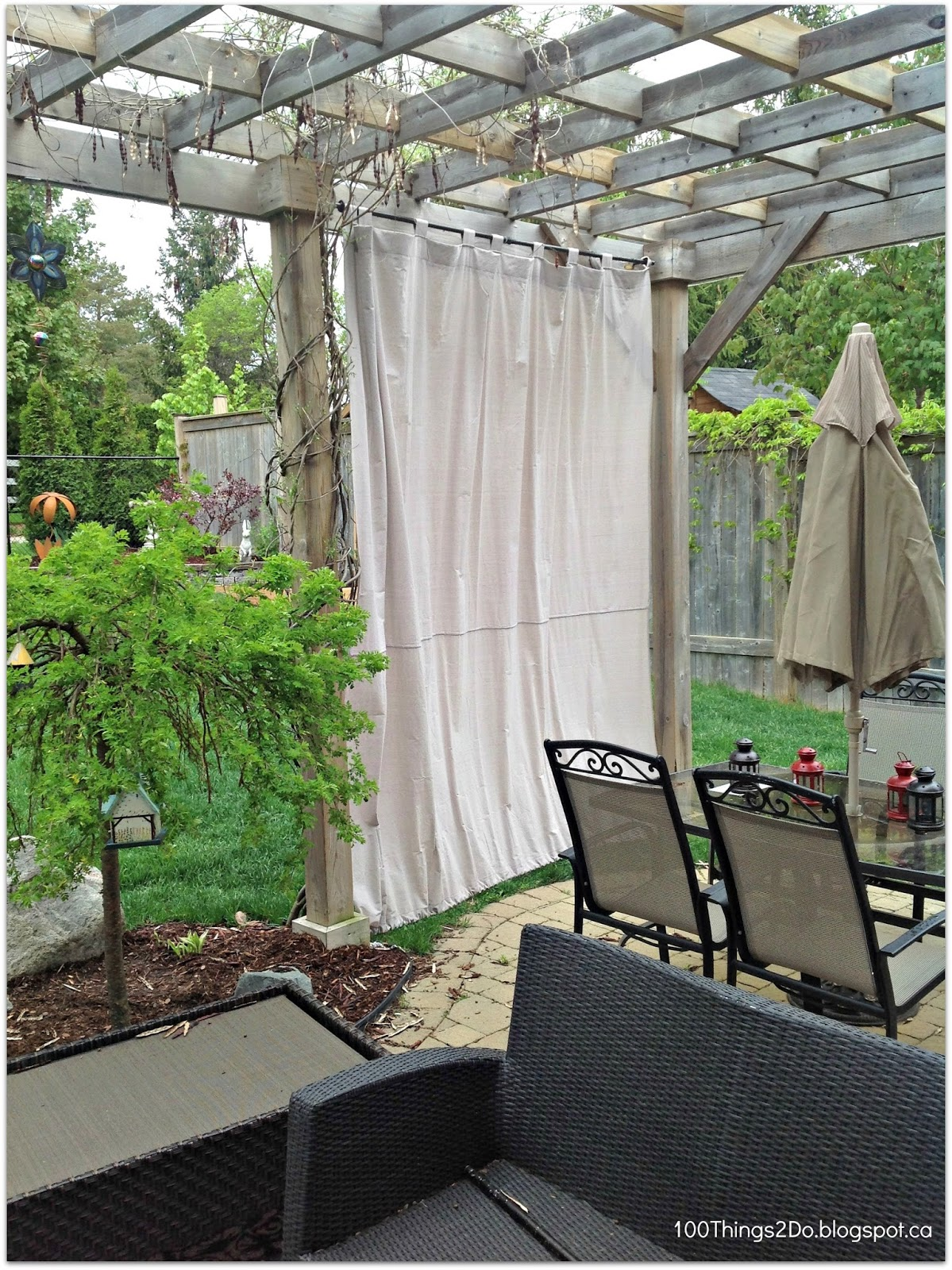 Diy patio curtains 100 things 2 do for Balcony curtains
