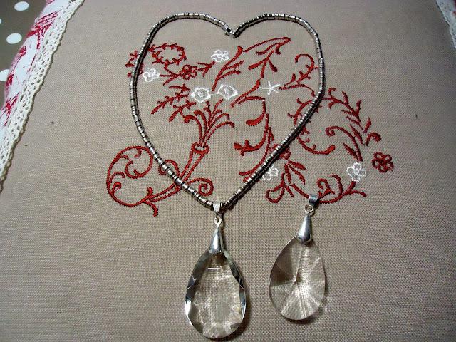 ciondoli con dei pendenti di cristallo recuperati da vecchi lampadari ...