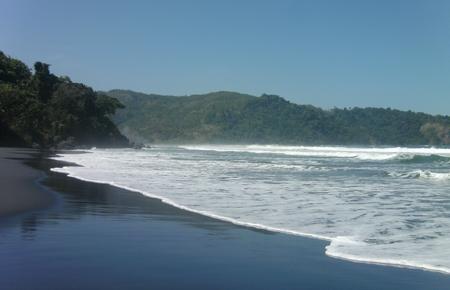 Pantai Jolosutro 2