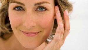 articulo que muestra algunos trucos para mantener el maquillaje perfecto