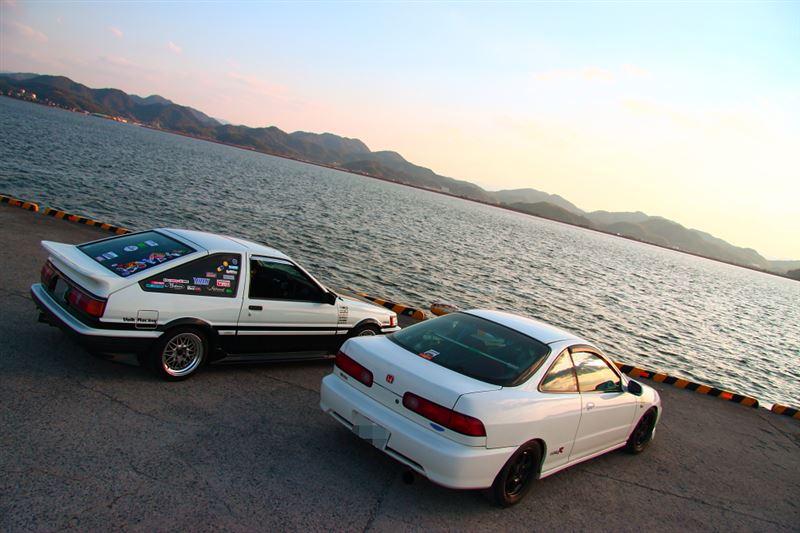 Toyota Corolla Levin AE86, Honda Integra Type R DC2, kultowe modele, samochody z duszą, Hachiroku, VTEC is kicking in, ciekawe sportowe auta