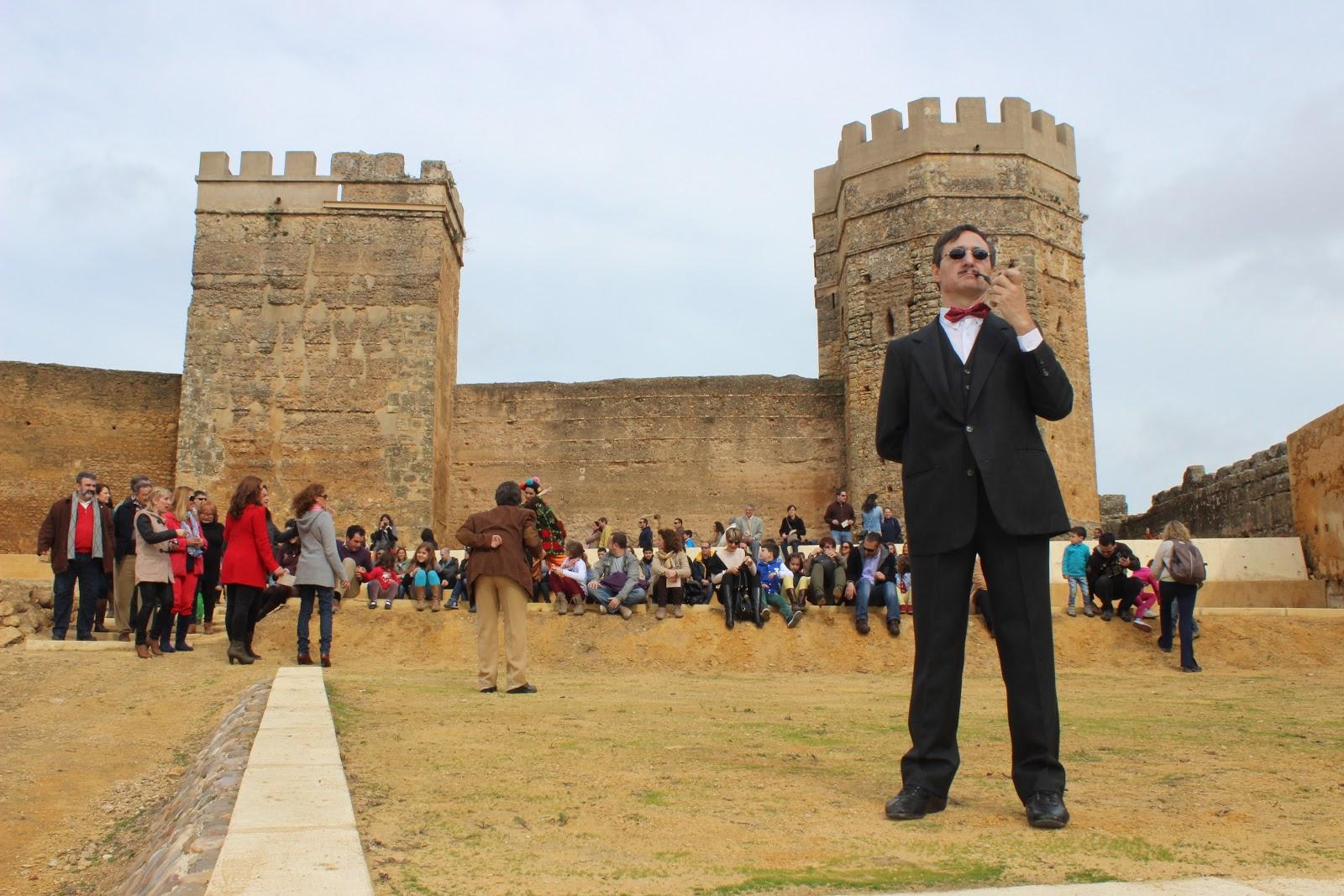 Alcalamegusta nuevo espect culo en el castillo de alcal - Comisaria alcala de guadaira ...