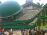 Masjid di Banyumas Ambruk akibat gempa Kebumen