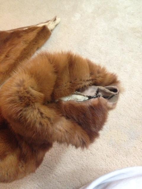 DIY Fur muff, Changing fur sleeves into muffs, changing fur sleeves into hand warmers, ecofashion, recycle, reuse