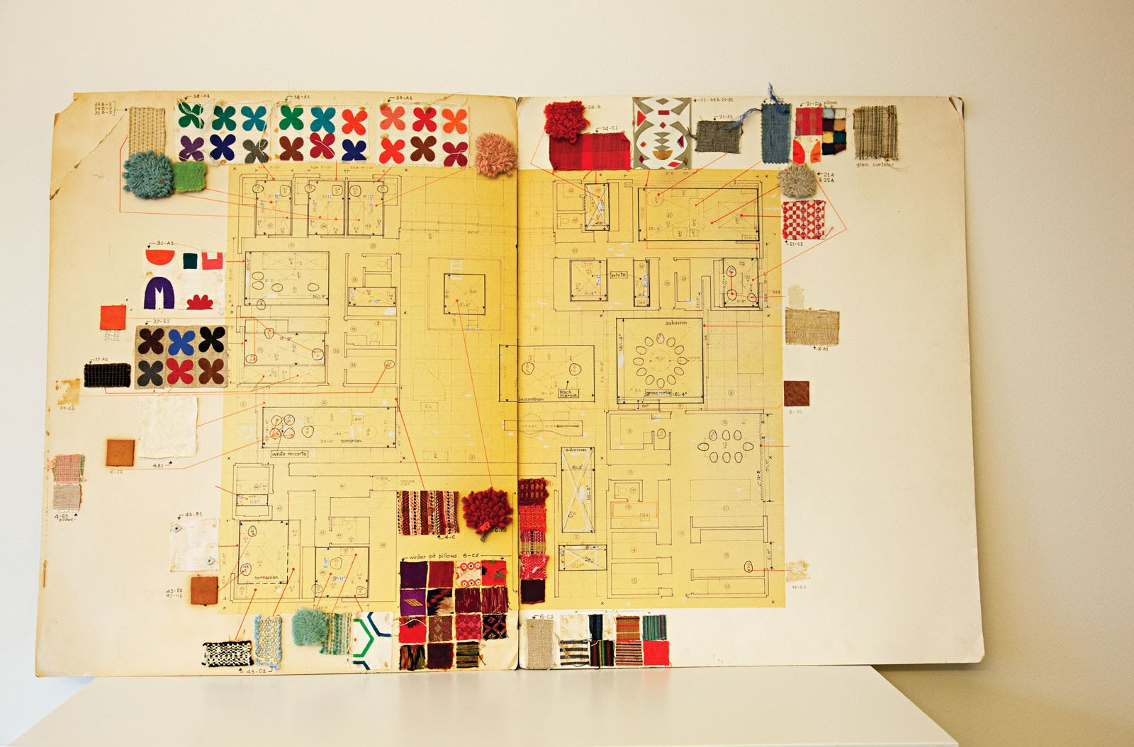 Perfekt abgestimmte Inneneinrichtung und Design im Miller House - dokumentiert im Storybook von Alexander Girard