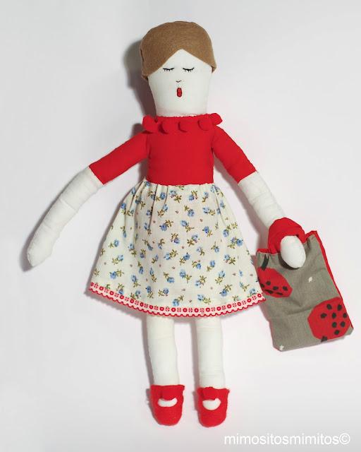 muñeca de trapo tela hecha a mano para regalar