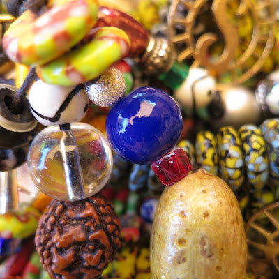 photo glass beads, solamante