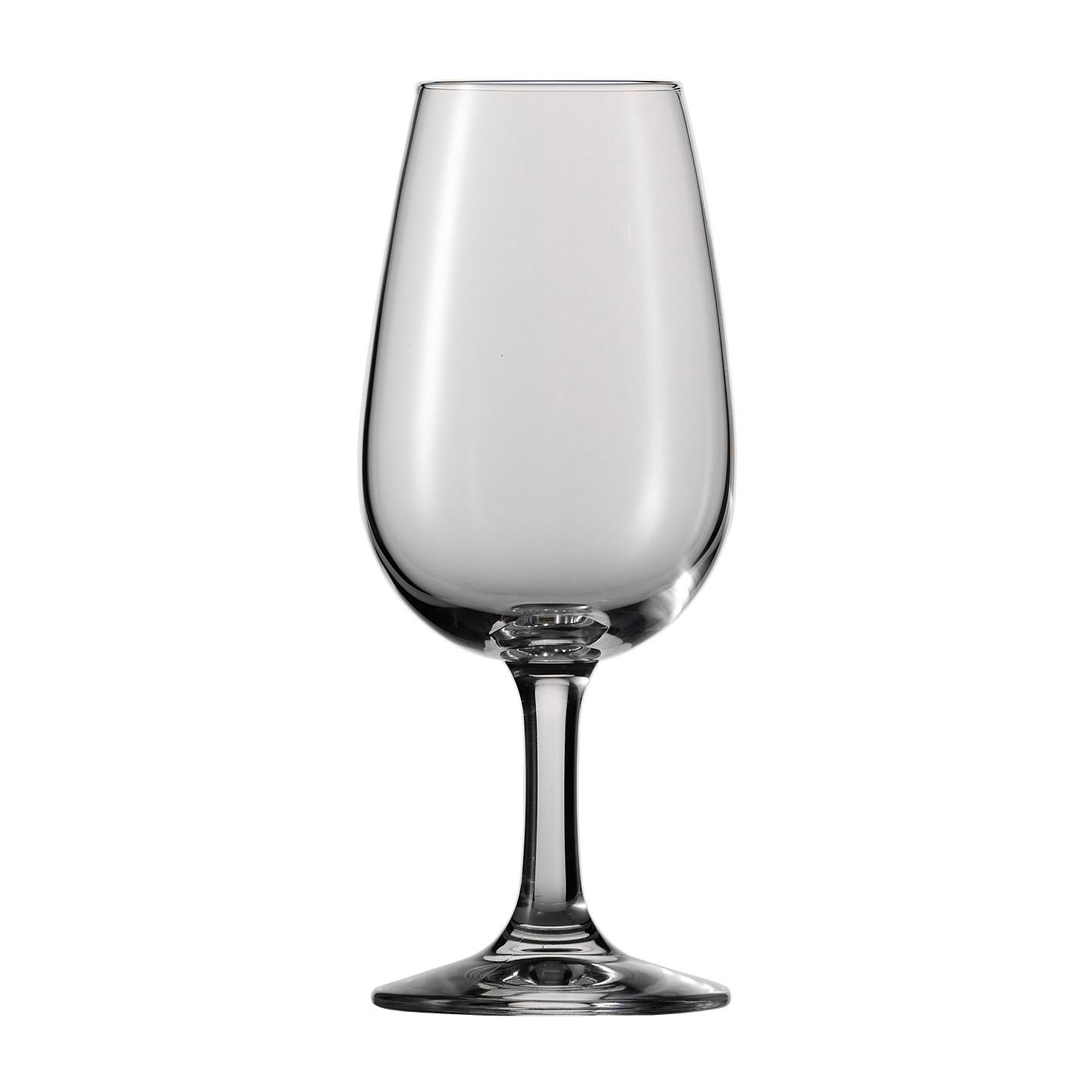 Una copa de champan para dunia montenegro
