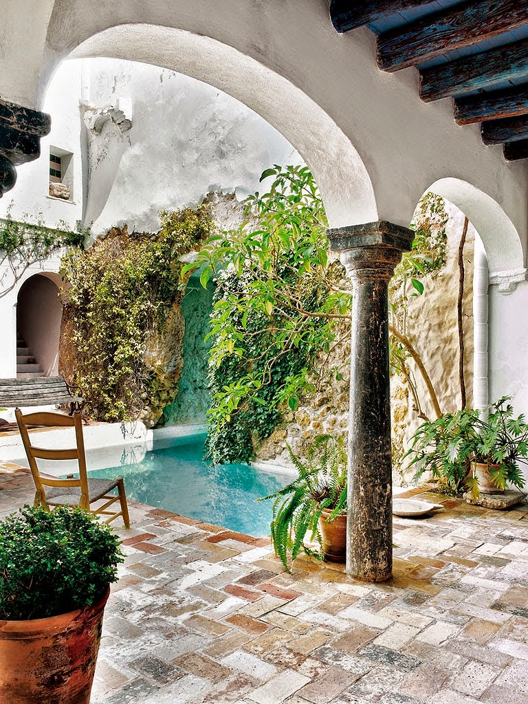 Lulu klein interior design moorish house in seville - Cocinas de campo ...