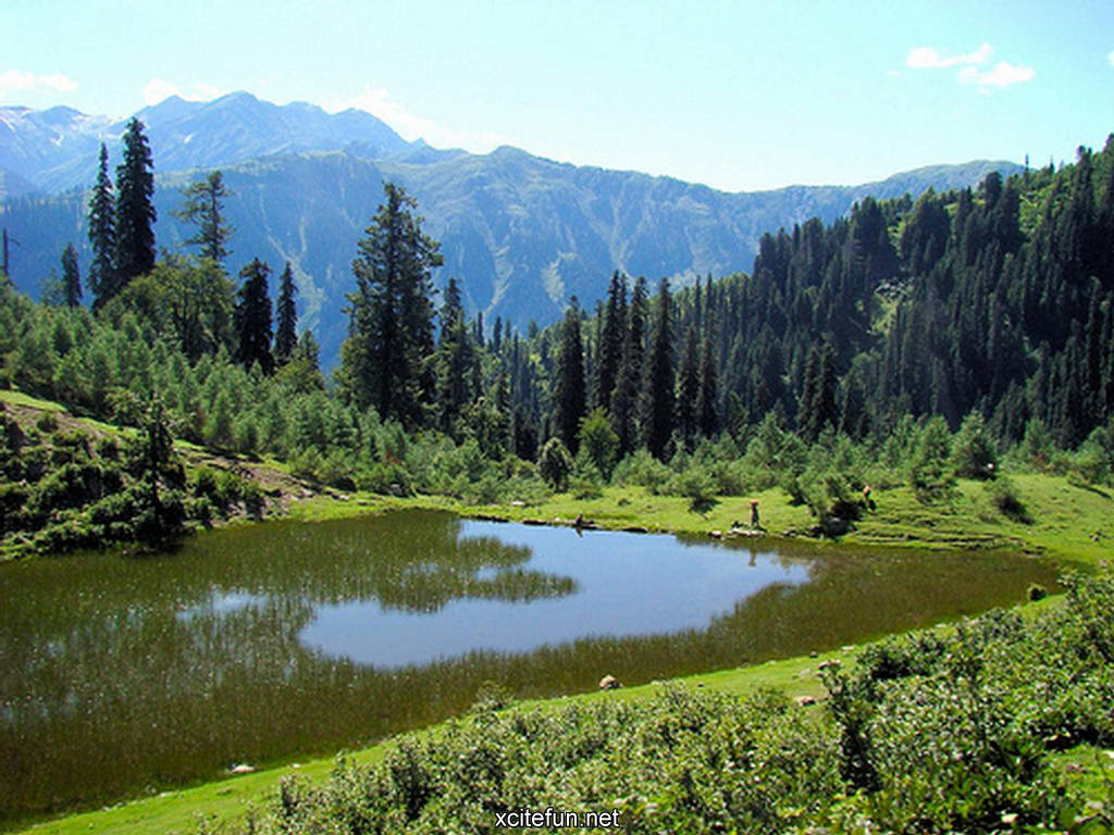 http://3.bp.blogspot.com/-KP2Cpoyg_Bo/TfPZRSZchQI/AAAAAAAAEE0/-JCJgQL5HGg/s1600/216501%252Cxcitefun-payee-lake-kaghan-valley-pakistan-hq-wal.jpg
