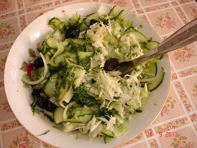 Miercurea fara carne - salata castraveti si varza