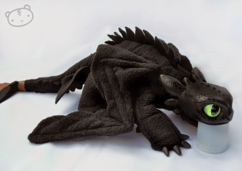 21-My-Little-Toothless-Lisa-Toms-Maker-of-Mythical-Creatures-and-Pet-Dolls-www-designstack-co