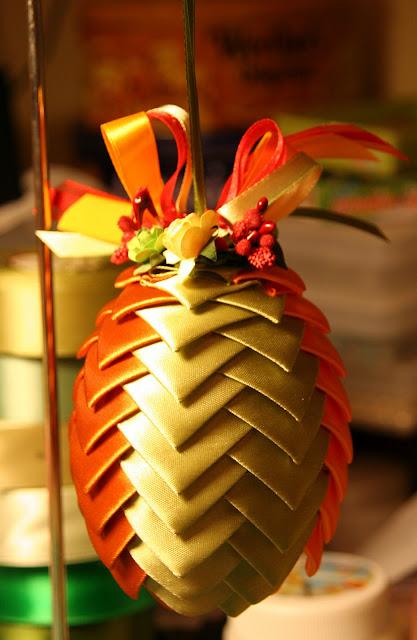 enfeites de natal para jardim passo a passo : enfeites de natal para jardim passo a passo:Mais dicas de enfeites de natal em formato de pinha – Artesanato facil