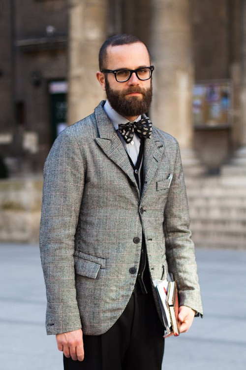 Although it never vanished completely from menswear, the bow tie has once again begun to reassert itself as a staple. We are happy to say that an ever-growing number of style-conscious men are now comfortable incorporating bow ties into their day-to-day outfits, and no longer view the bow tie as the preserve of the quirky, the comic, or the contrived.