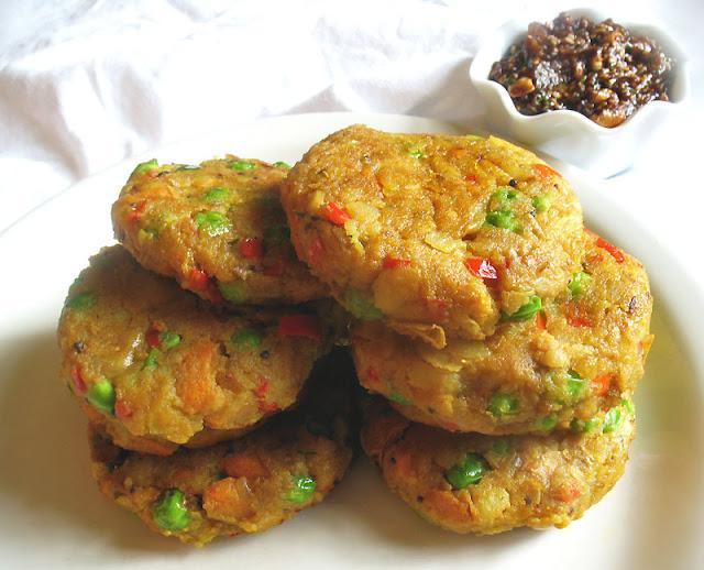 samosa cakes with tamarind chutney