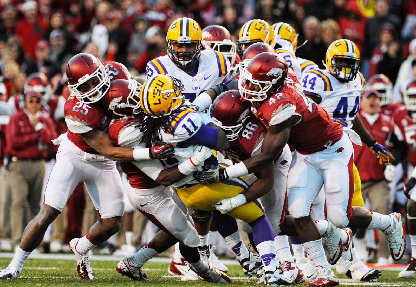 arkansas defense lsu