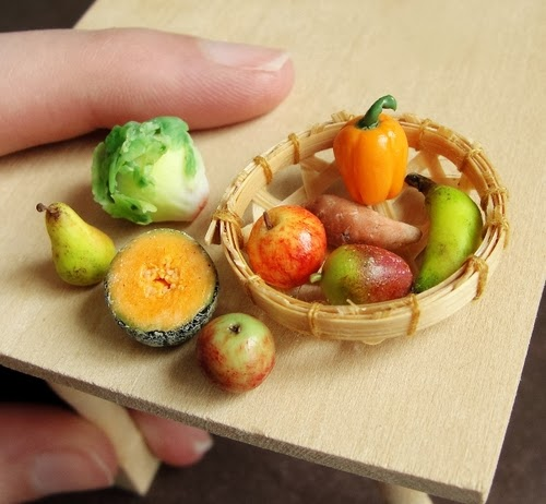 09-Produce-Small-Miniature-Food-Doll-Houses-Kim-Fairchildart-www-designstack-co