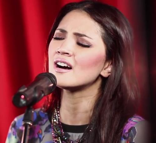 Lagu Sayangi Dirimu by Fazura Live