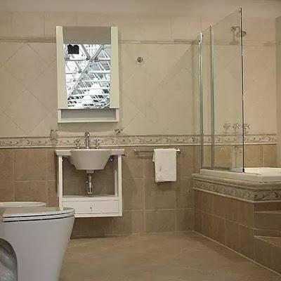 Ba os con listelos verticales laminas de plastico para techo for Revestimiento plastico para banos