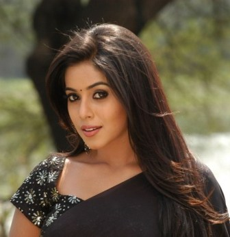 Poorna Face Close up Pic1 - Poorna Face Close up Wallpapers