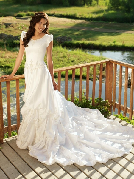 Design wedding dress modest wedding dresses for Modest wedding dresses seattle