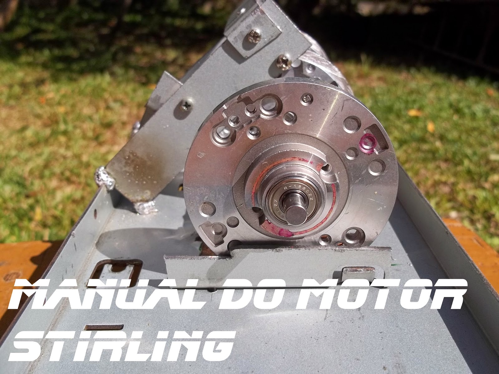 Fixação do terceiro cabeçote de vídeo cassete sobre a base do motor, Manual do motor Stirling