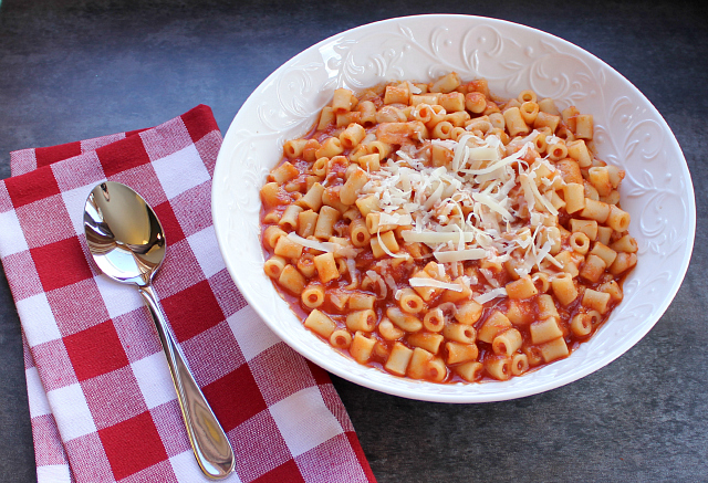 Frugal foodie mama moms italian pasta fagioli recipe from love and it looks like the recipe she is sharing with us today will also end up on my meal plan one week very soon forumfinder Gallery