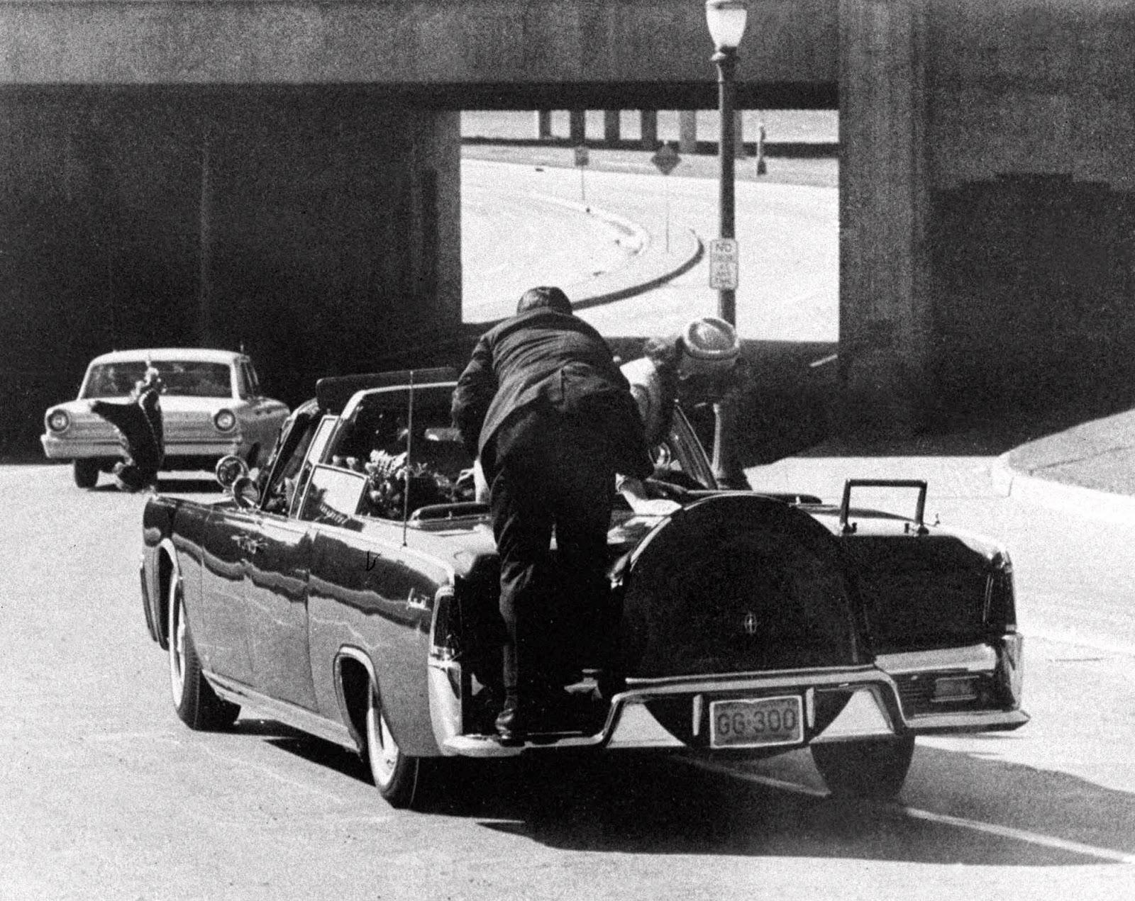 Coche tras el asesinato de JFK