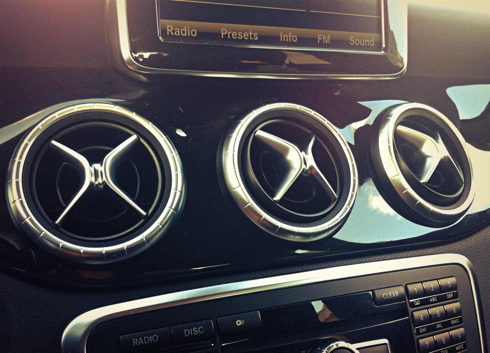 2014 Mercedes-Benz CLA250 vents