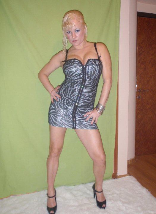 Eliza Dushku Nude Photos 9