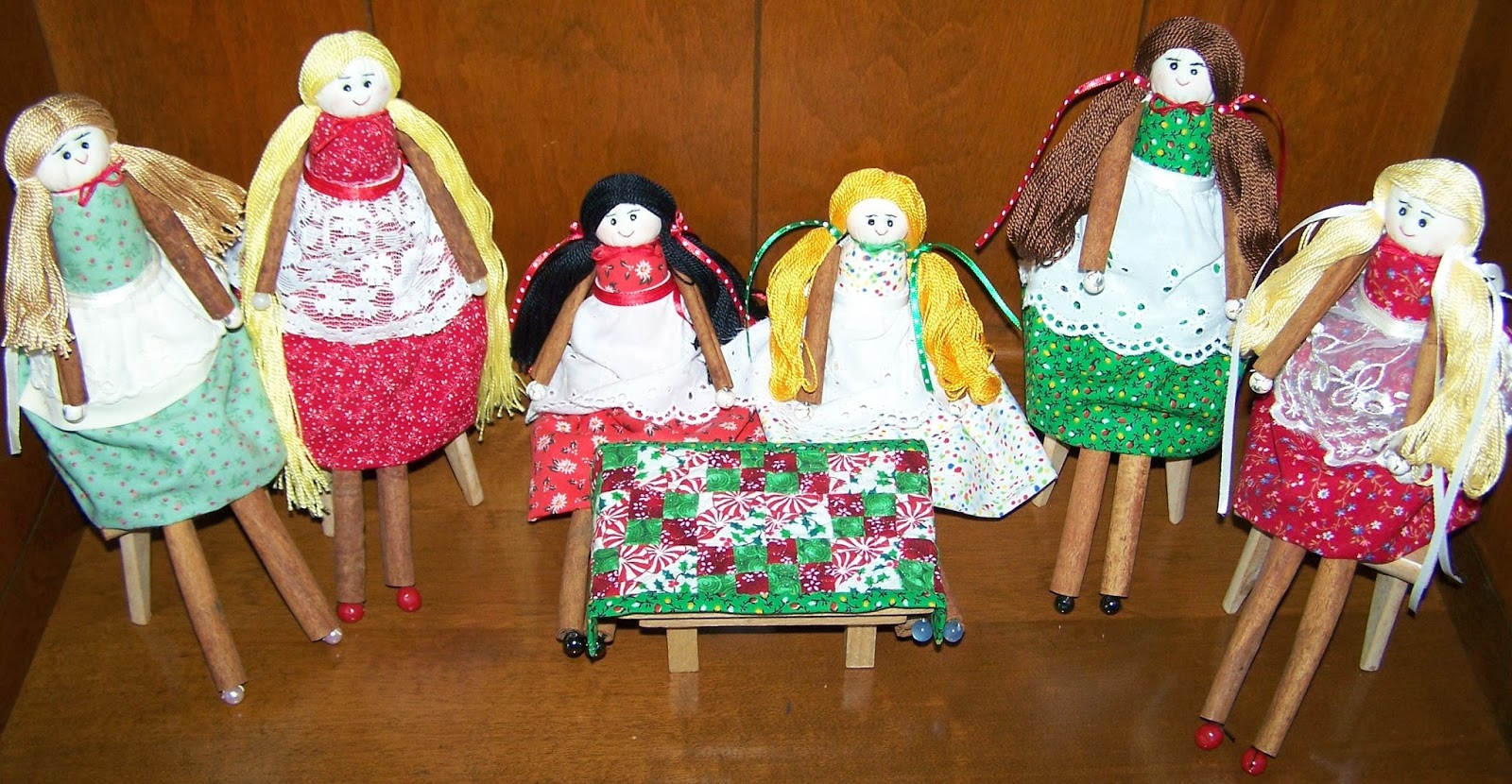 Cinnamon sticks for crafts - Cinnamon Stick Dolls Make A Christmas Quilt