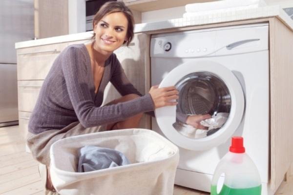 Cẩn trọng khi giặt bằng nước nóng