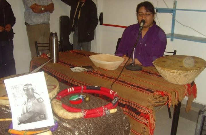 Apertura de la presentación del libro AIME PAINE la voz del pueblo Mapuche.