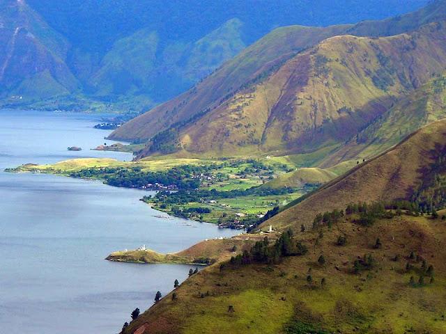 objek wisata Danau Toba dan Pulau Samosir