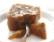 En Grèce, le nom \u0027halva\u0027 est donné à trois desserts différents. Le halva de  sésame, venu de l\u0027Orient, a gagné l\u0027Empire byzantin et est devenu le  dessert par