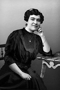 Carolina Beatriz Ângelo  - primeira mulher a votar em Portugal