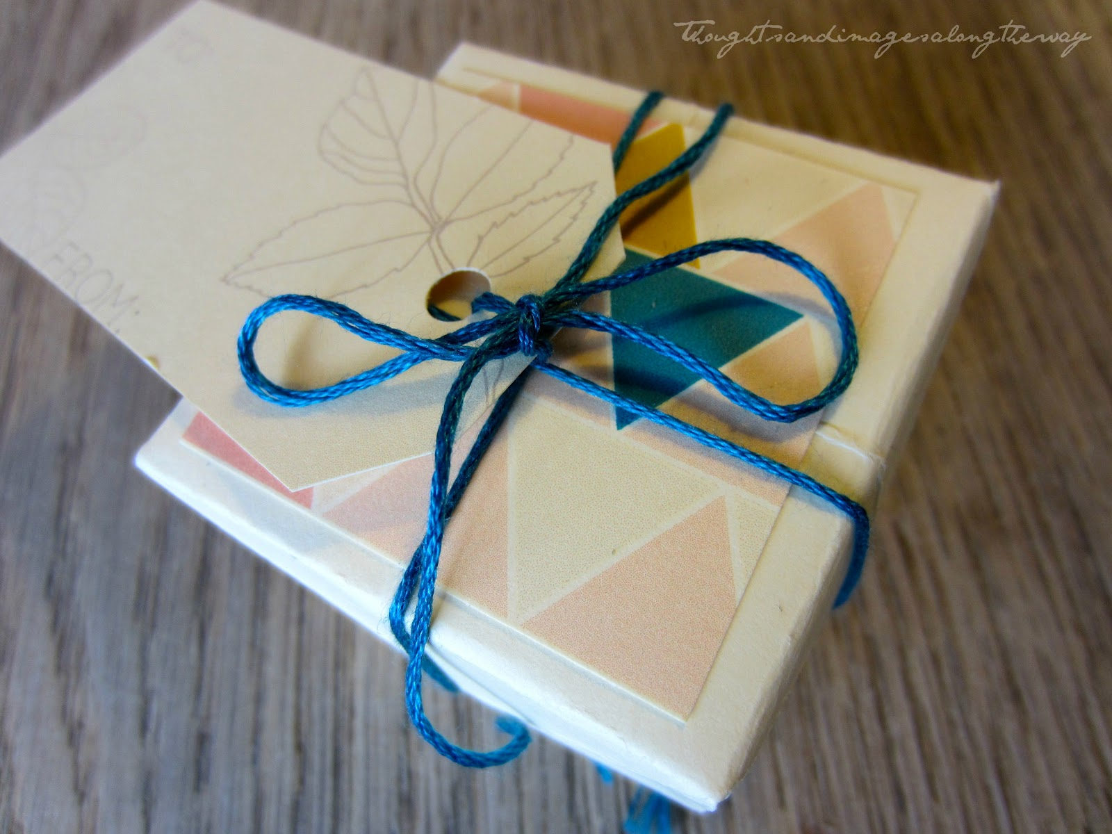 thoughts and images along the way a gift box of cardboard diy. Black Bedroom Furniture Sets. Home Design Ideas