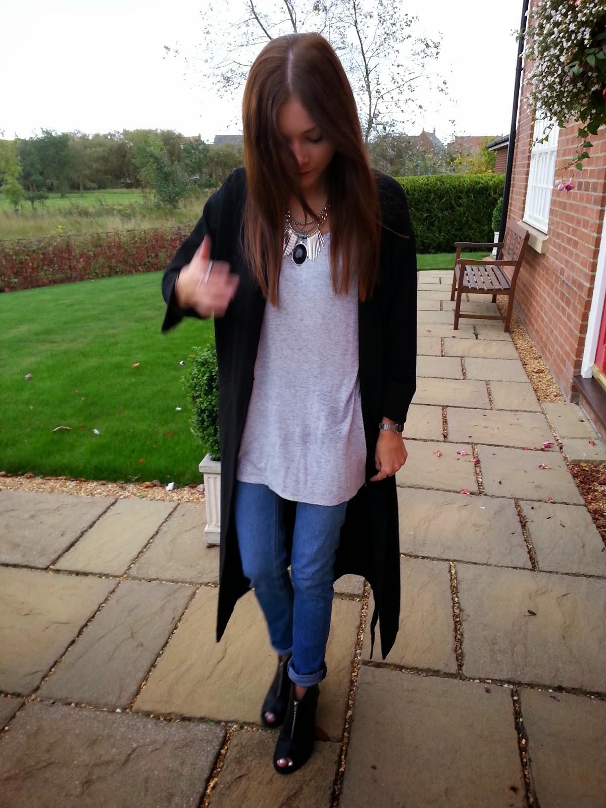 black duster jacket street style fashion blogger
