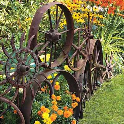 Inspirational Cool metal garden fence