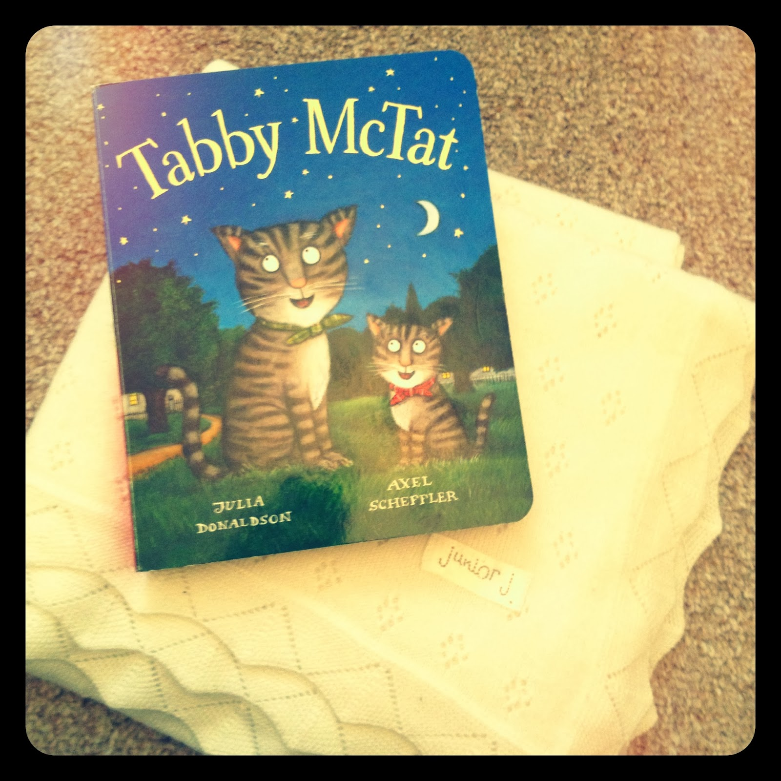mamasVIB | V. I. BOOKCLUB: Build a classic library for kids (Tabby McTat) ,Tabby McTat | classic baby books | V.I BOOKCLUB | mamasVIB | build a children's library