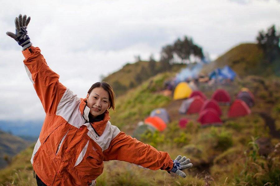 Kawah Plawangan Sembalun Ketinggian 2639 meter - Taman Nasional Gunung Rinjani