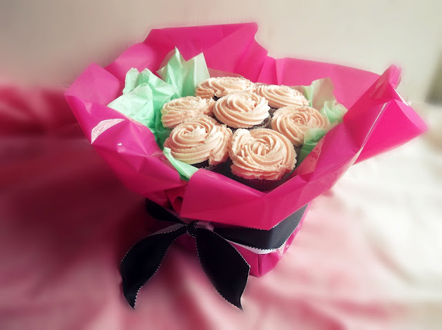 how to make cupcake bouquet on board