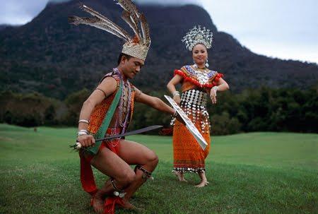 Pakaian Suku Kaum Sarawak