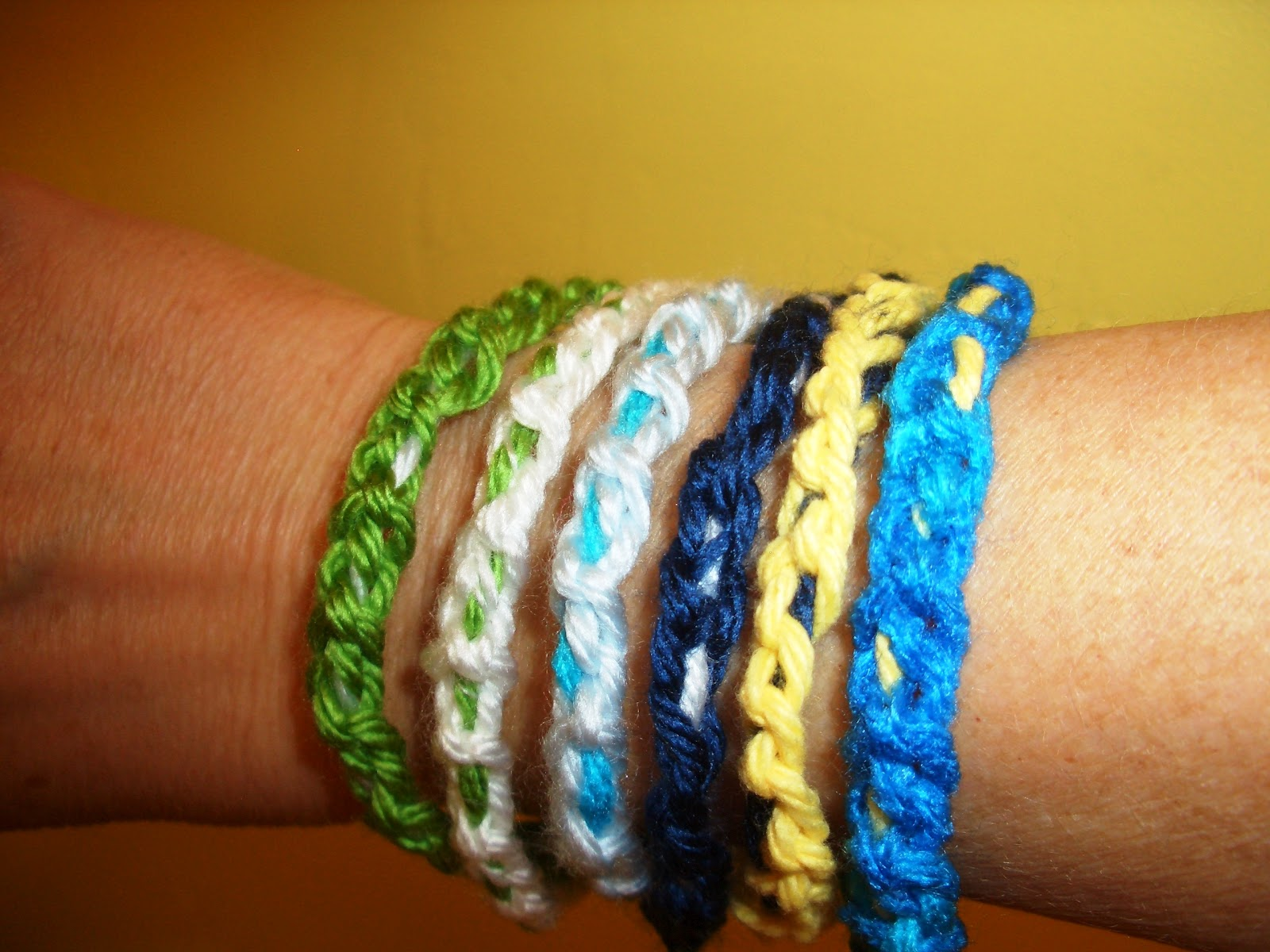 Crochet Jewelry Patterns For Beginners : Crochet Parfait: Free Pattern: Chain Stitch Bangle Bracelet