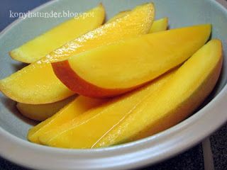 fresh-mango-slices