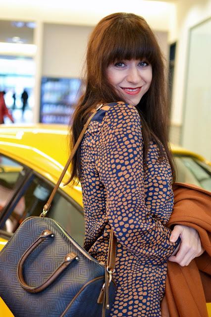 Porsche ako doplnok_Katharíne-fashion is beautiful_Bodkované šaty_Katarína Jakubčová_fashion blogger