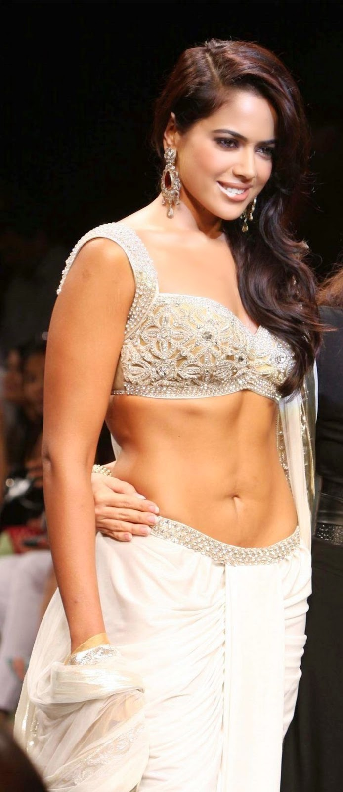 sameera reddy hot cleavage and navel hd wallpapers